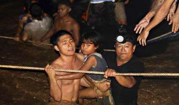 652 dead 808 missing in philippine floods - India...