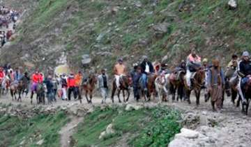 amarnath yatra begins governor offers prayers -...