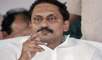andhra cm urges president pm to stop bifurcation...