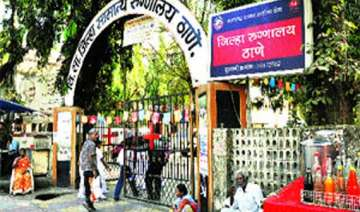 angry relatives ransack thane district hospital 4...