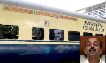 bjp leader stops shatabdi express to get down...