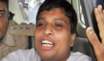 balkrishna appears in court - India TV