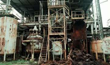 bhopal court summons dow chemicals in gas tragedy...