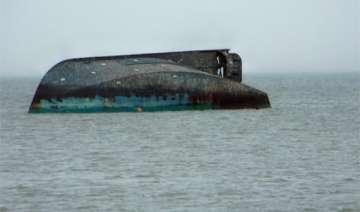 boat capsizes two persons missing - India TV