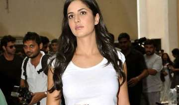 chaos in surat as katrina fails to turn up -...