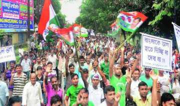 congress candidate in bengal declines to contest...