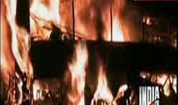 couple infant burnt alive in bus accident - India...