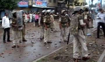 curfew in indore after group clashes - India TV