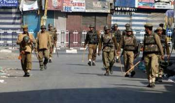 curfew continues in dhanbad death toll 4 - India...