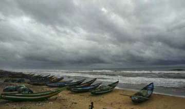 cyclone phailin to hit ap odisha coast between 6...