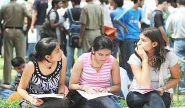 du receives record 2.5 lakh forms for fyup -...