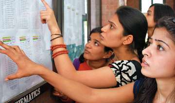 du begins admissions moderate turnout on first...