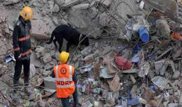 death toll rises to three in bangalore building...