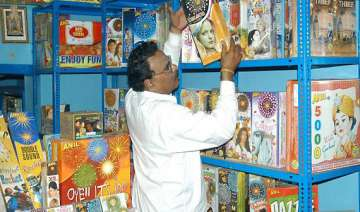 denied licence to sell crackers delhi shopkeepers...