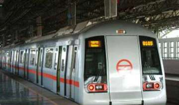 foreign material ohe wire disrupts metro service...