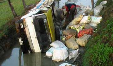 four dead 25 injured as truck falls into ditch in...