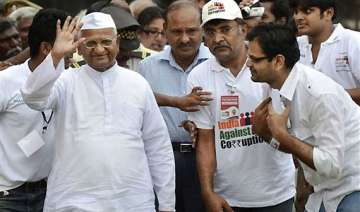 govt has done nothing against graft anna hazare -...