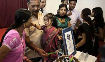 guinness measures world s shortest woman in india...