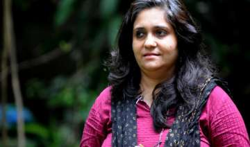 gulbarg embezzlement case teesta accuses cops of...