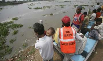 haryana villagers rescued from flooded yamuna -...