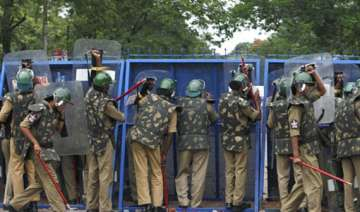 heavy police deployment for chalo assembly...