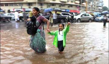 heavy rains lash mumbai thane 4 dead - India TV