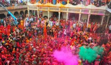 holi frenzy grips krishna land - India TV