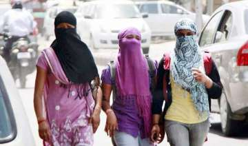 hottest day in delhi as temperature touches 44.7...