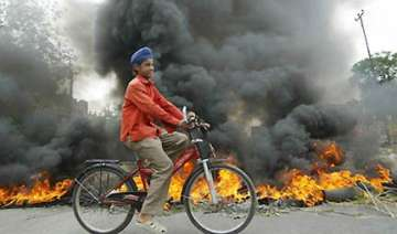 militants ask sikhs in valley to embrace islam or...