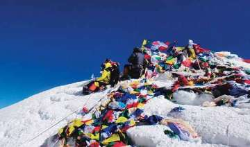 indian army set to scale everest to bring down...