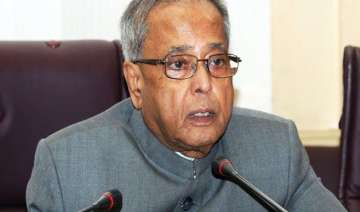 president pranab mukherjee greets people on...