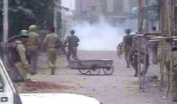 situation remains tense in kashmir valley - India...