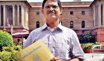amitabh thakur submits cd containing threat call...