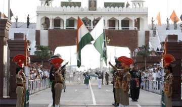 pakistani teenager sent home by bsf - India TV