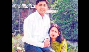 infosys manager kills wife for humiliating...