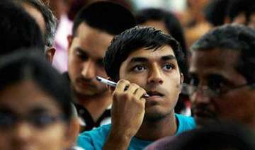 90 000 indian students apply for us visa 4 000...