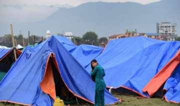 india dispatches 8 450 tents to quake hit nepal -...