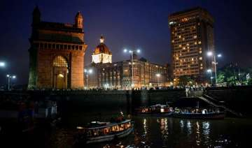 top 10 places that you must visit in mumbai -...