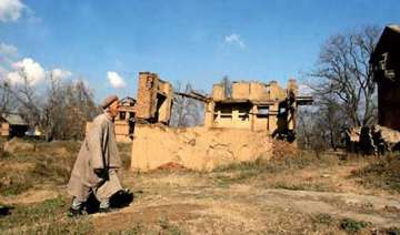 10 000 frightened villagers abandon homes in...