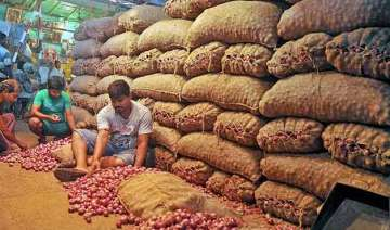 india to import 10 000 tonnes onions to check...