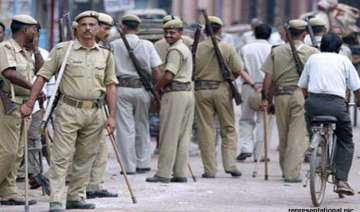up two cops in badaun rape 14 yr old inside...