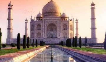 taj mahal chandelier crashes asi orders probe -...