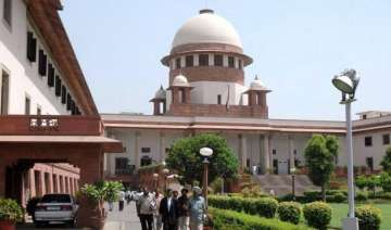 sc refers aadhar card matter to constitution...