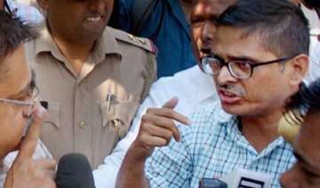 ips amitabh thakur s house searched by vigilance...
