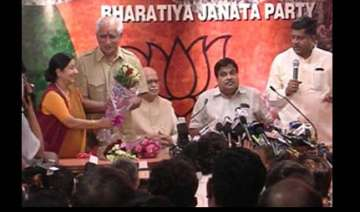 jaswant rejoins bjp after ten months in the cold...