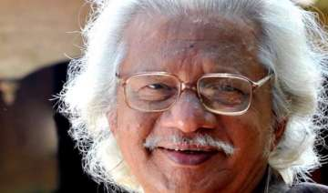 hindi can t be imposed on others says filmmaker...