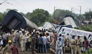 mp train derailment village youth saved many...