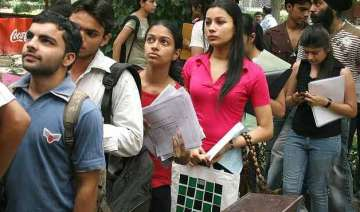 du admission over 80 000 applications received...