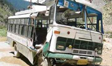 22 killed 35 injured in bus accident in hp -...