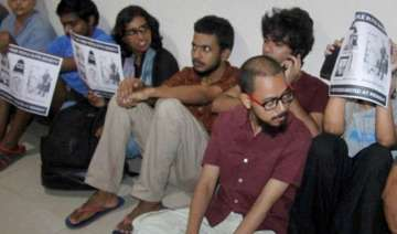 ftii row standoff continues students to meet mos...